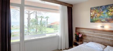 Palm Beach Otel Küçükkuyu