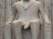 Mithat Paşa Anıtı