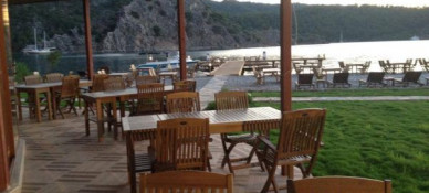 Borina Yacht Club Bungalows & Restaurant