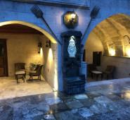 Aura Cave Suites