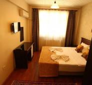 Halena Apat Hotel