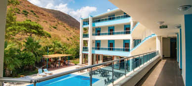 Ada Arası Otel