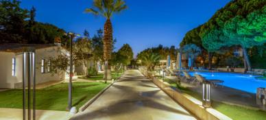 Risus Garden Hotel