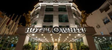 S White Hotel